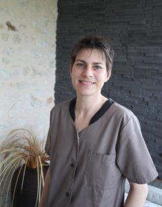 melanie-ferreira-reflexologue-relaxologue-chauvigny-poitiers-palmaire